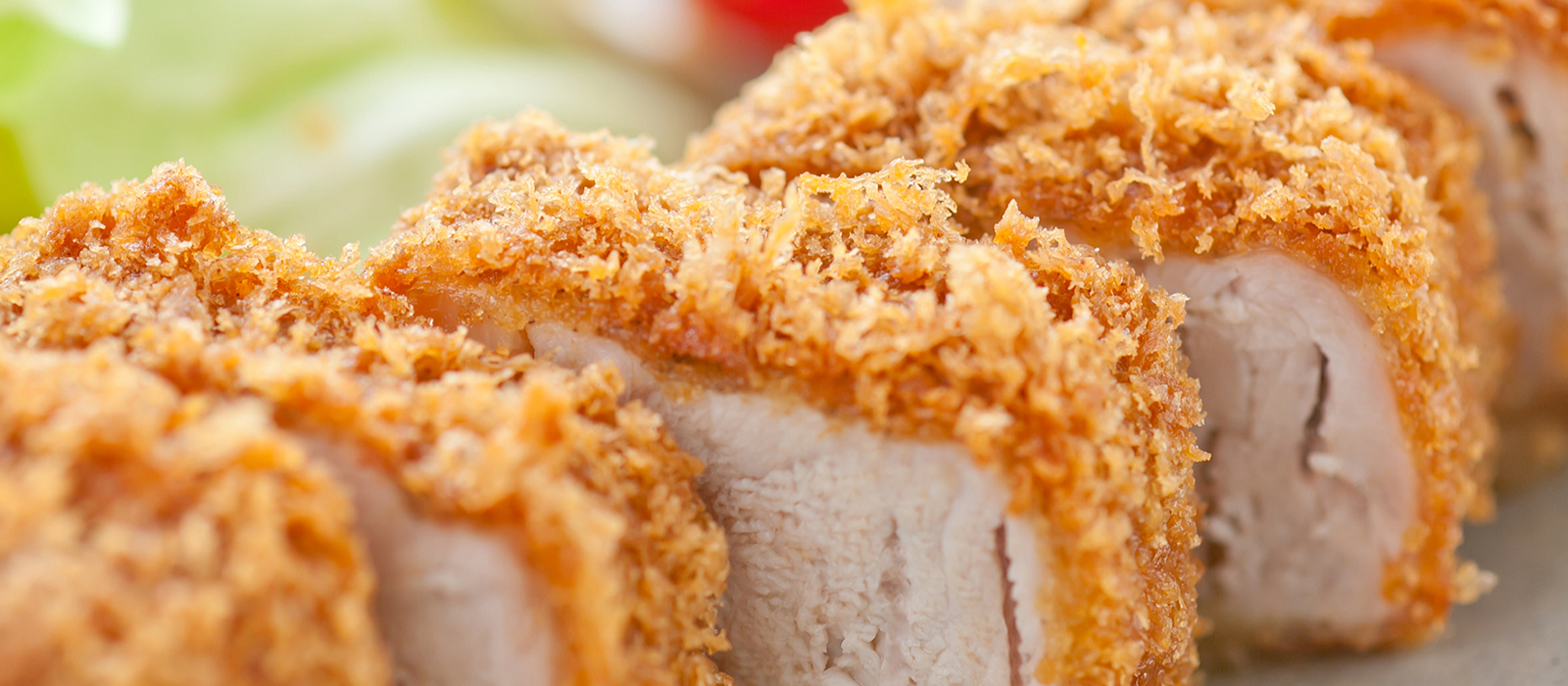 Enjoy our thick tonkatsu, full of meaty flavor that fills your mouth as you chew.